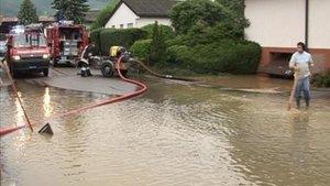 Le village de Glovelier sous les eaux