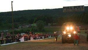Full pull! Le Tracteur pulling tire le public à Develier